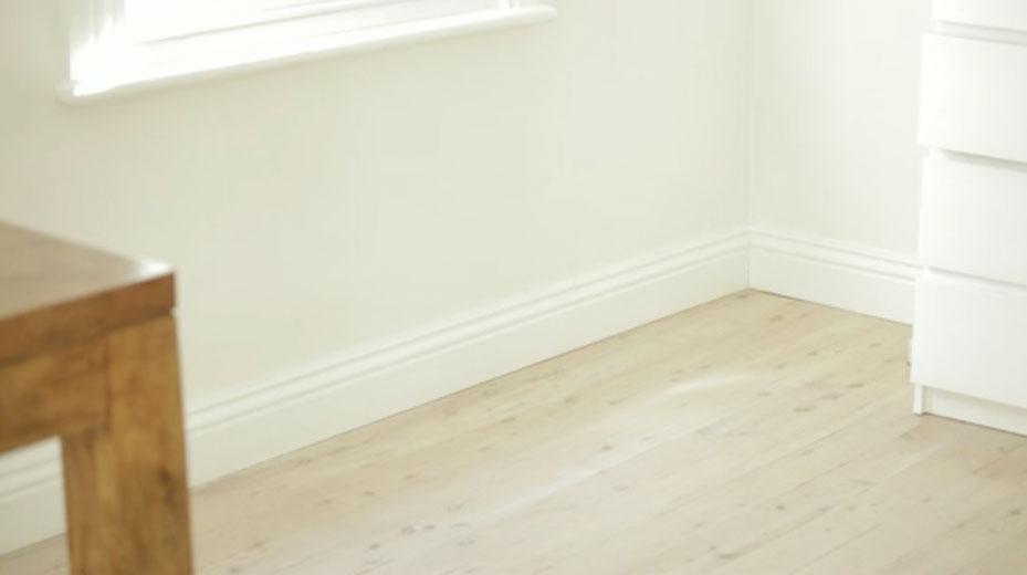 Filling gaps between skirting board and walls | Selleys